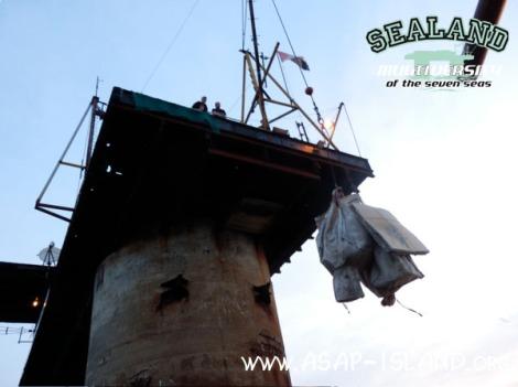 SLM-Trailer - lifting the equipment